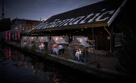 The Amsterdam Restaurant Using Individual Greenhouses For Social Distancing
